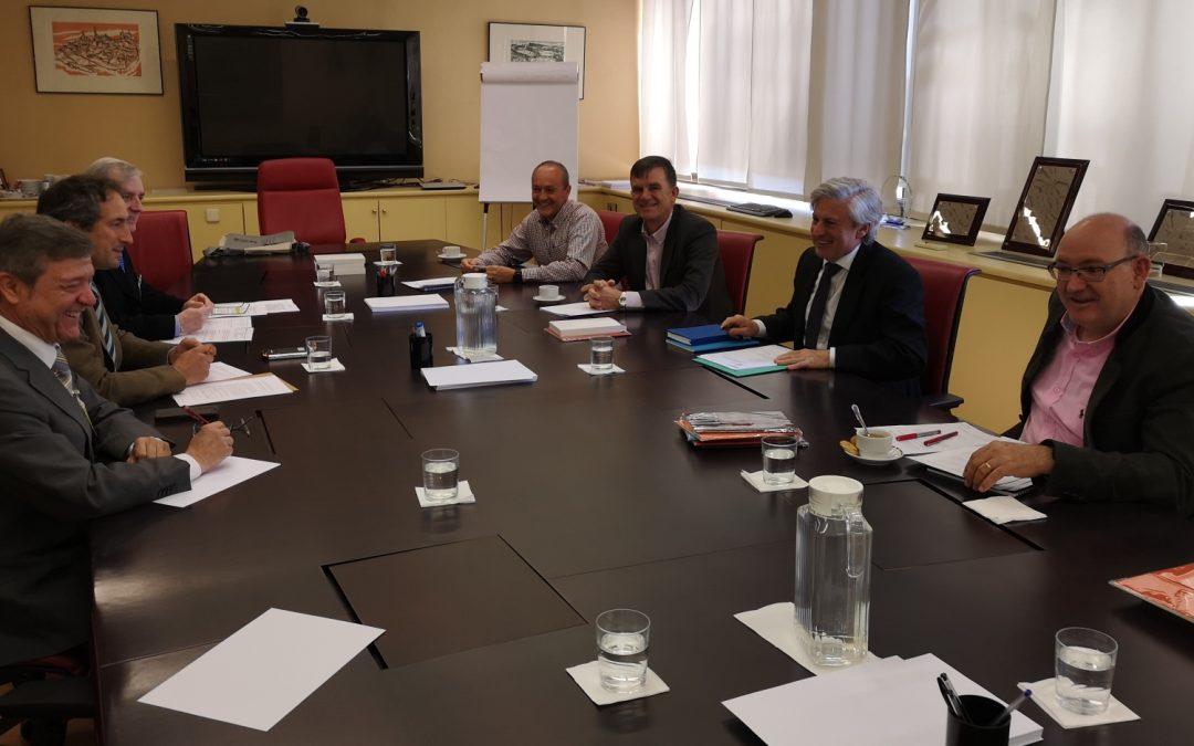 El COIGT ha firmado un nuevo convenio con la Dirección General de Catastro que agilizará el trámite de los expedientes